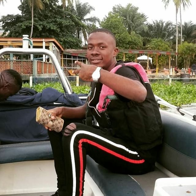 Fineboy cruising at whispering palms